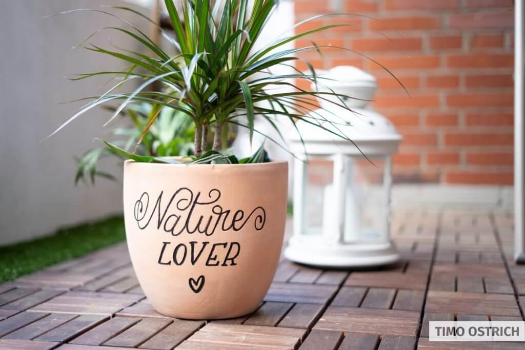 Lettering on a flowerpot
