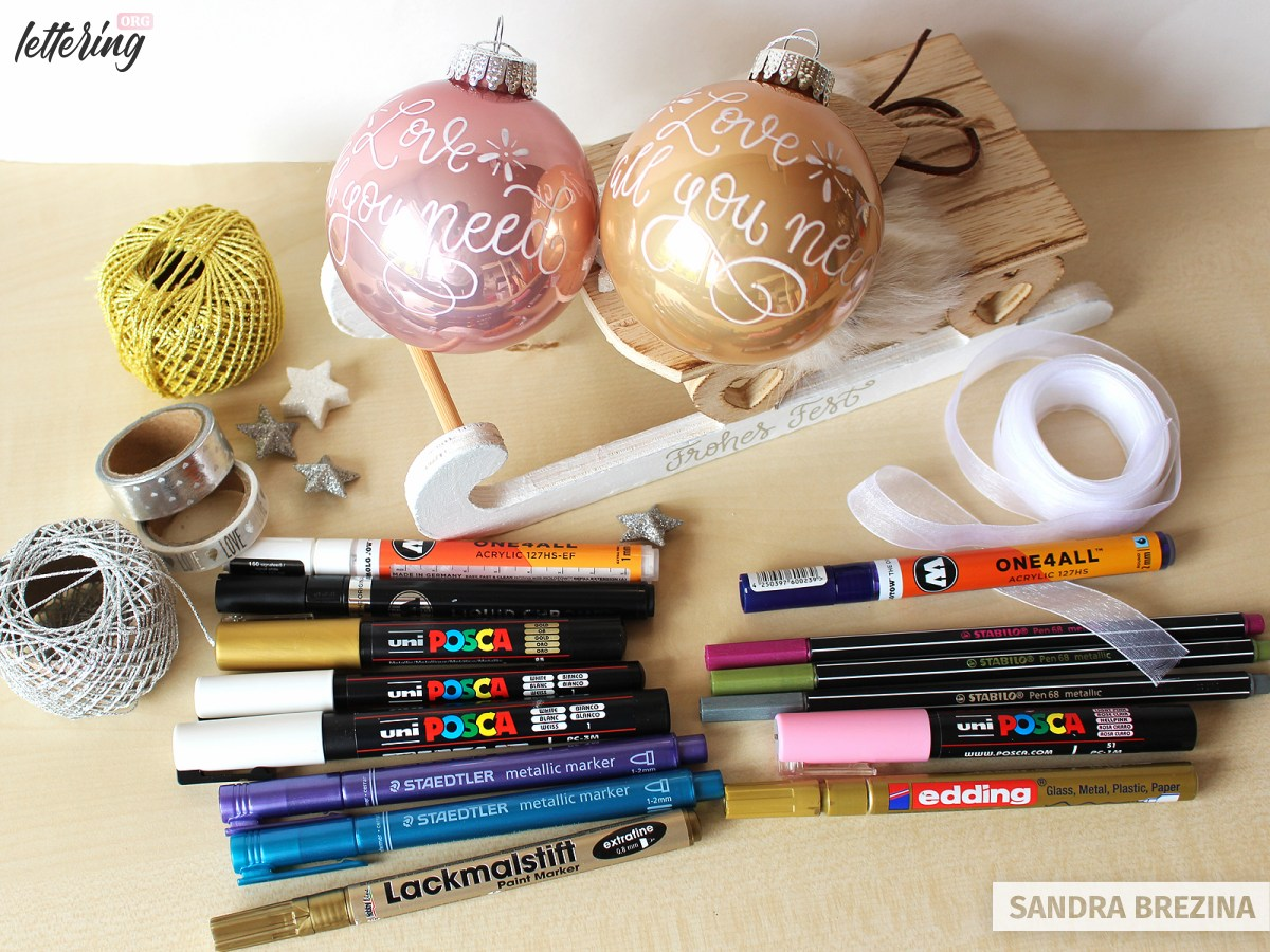 Markers to write on your Christmas ornaments